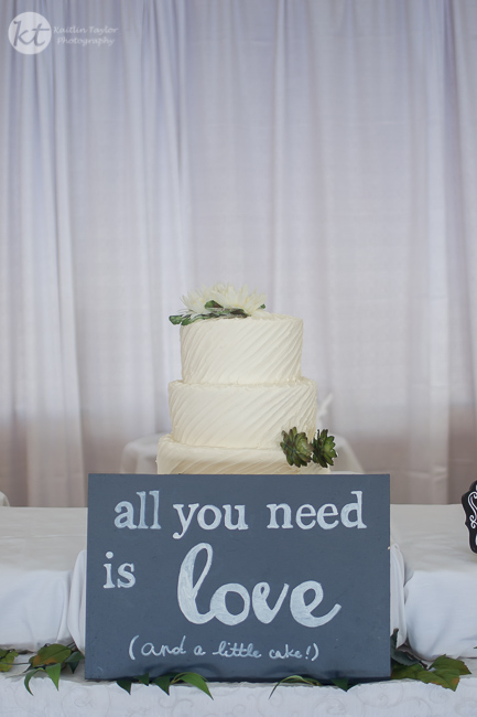 039-151010-WeddingCake-Web